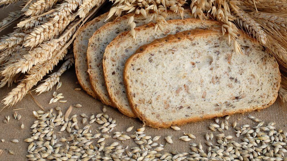 Рецепт випічки суцільнозернового хліба у хлібопічці.