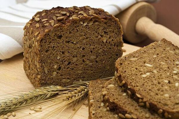 Рецепти випічки хліба у хлібопічці з житнього борошна