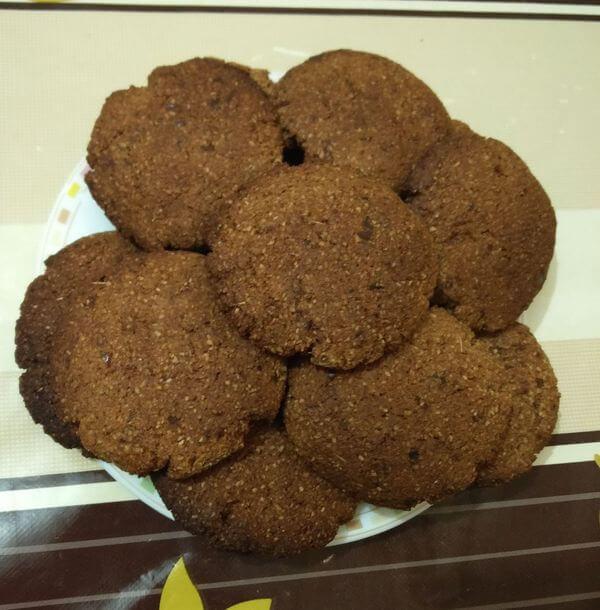 Сладкое печенье из овсяных отрубей без сахара и яиц.